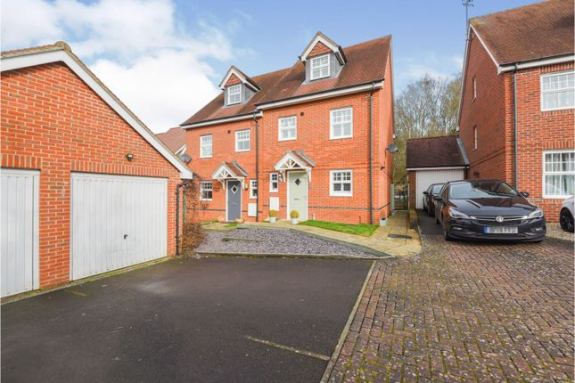 3 bed semi-detached house for sale in Rowlock Gardens, Hermitage RG18