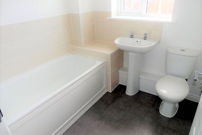 Bathroom of Heron Way, Dovercourt CO12