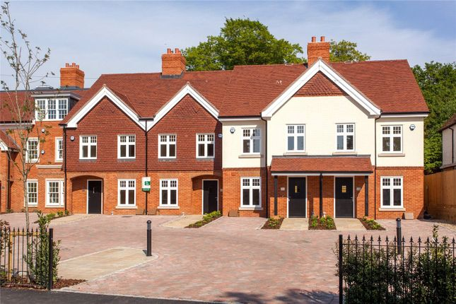 Thumbnail Terraced house to rent in High Street, Wargrave, Berkshire