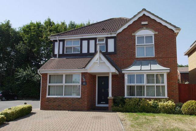 Thumbnail Detached house to rent in Long Meadow, Riverhead, Sevenoaks