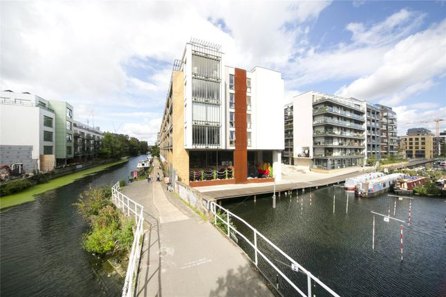 Thumbnail Flat for sale in Reliance Wharf, 2-10 Hertford Road