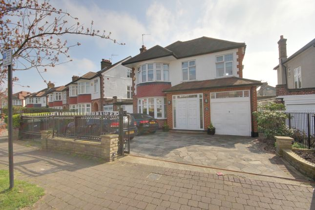 Thumbnail Detached house for sale in Ringwood Way, Winchmore Hill