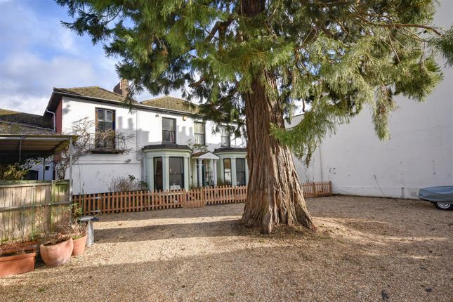 Thumbnail Detached house for sale in Old Road, Linslade, Leighton Buzzard