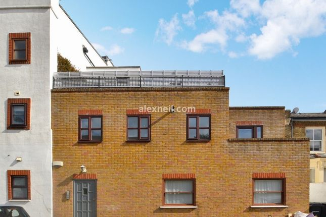 Thumbnail Flat to rent in Cassland Road, London