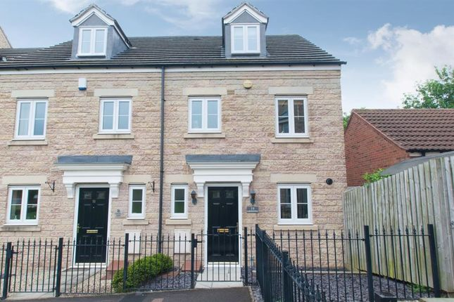 Thumbnail Town house for sale in Georgian Square, Rodley