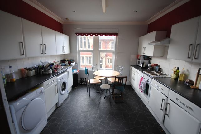 Thumbnail Shared accommodation to rent in 2 S Parade, Headingley, Leeds, Headingley