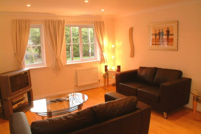 Thumbnail Flat to rent in Tinsley Lane, Crawley