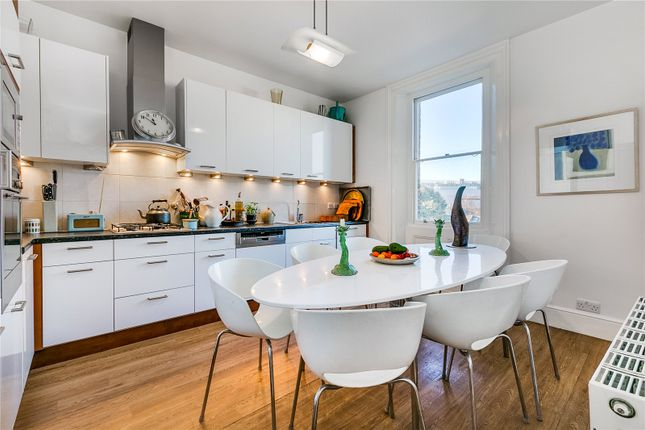 Thumbnail Flat to rent in Royal Crescent, Notting Hill, London