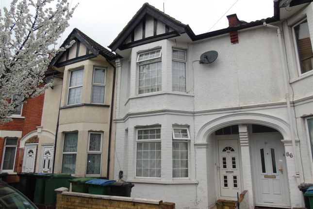 Thumbnail Terraced house for sale in Princes Avenue, Watford