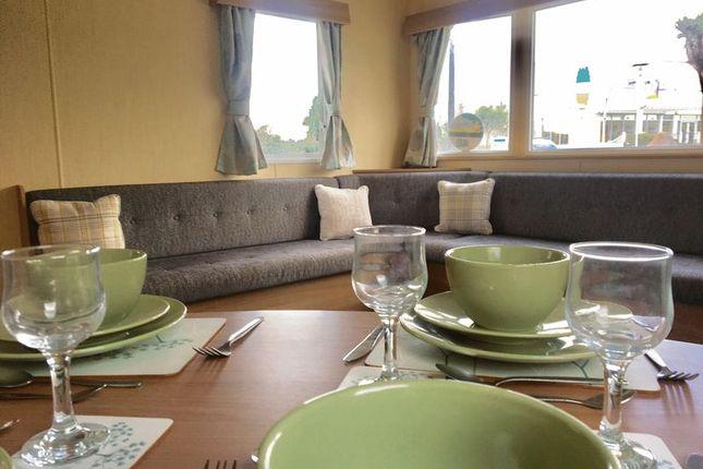 Lounge Diner of Hafan Y Mor, Pwllheli LL53
