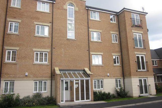 Thumbnail Flat to rent in Sandhill Close, Bradford