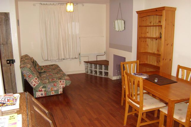 Thumbnail Property to rent in Trevor Road, Southsea