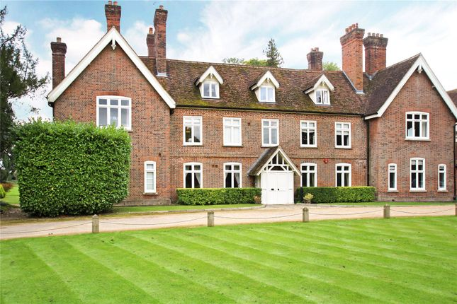 Thumbnail Flat for sale in Astwick Manor, Coopers Green Lane, Hatfield, Hertfordshire