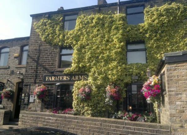 Thumbnail Pub/bar for sale in 2-4 Liphill Bank Road, Holmfirth, Yorkshire