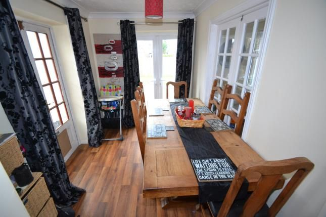 Dining Room of Firdale Avenue, Rushden, Northamptonshire NN10
