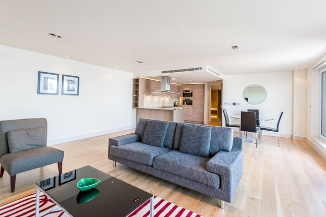 Thumbnail Flat to rent in 213 Townmead Road, London