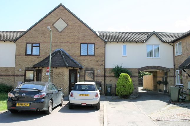 2 bed property to rent in Willow Drive, Bicester