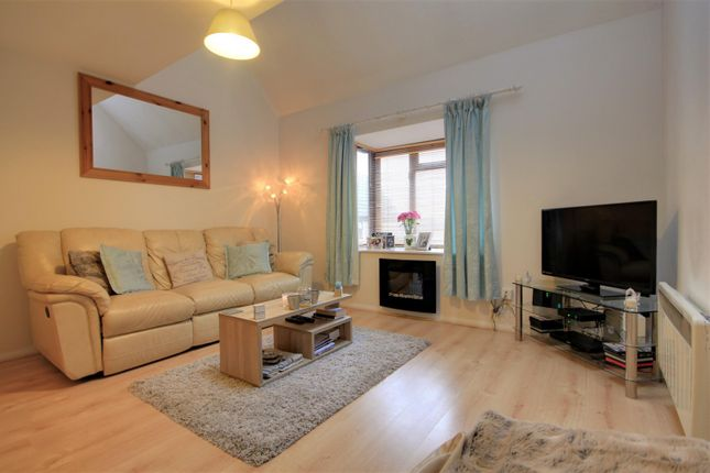 Living Room of Rowe Court, Grovelands Road, Reading RG30