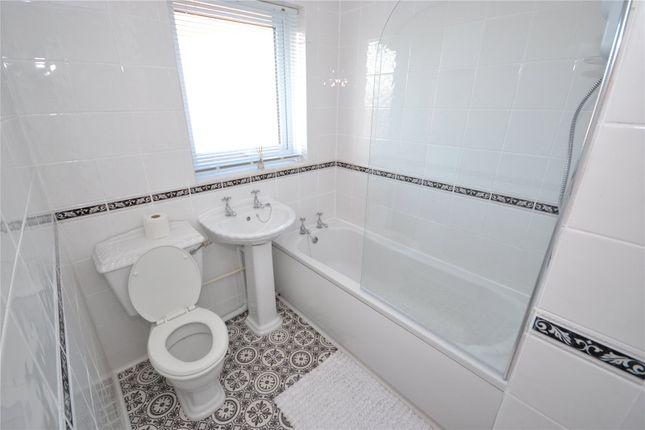 Bathroom of Middleham Close, Hull HU9