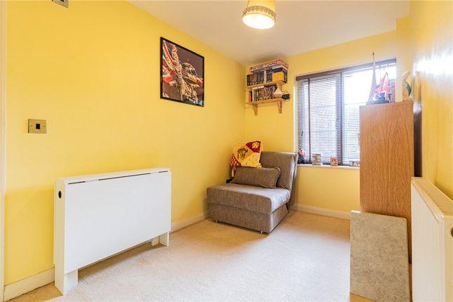Bed 2 of Kentwood Hill, Tilehurst, Reading RG31