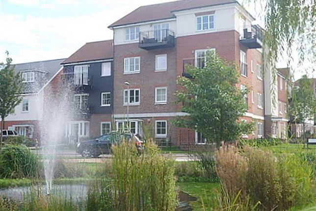 Thumbnail Flat to rent in Campion Square, Dunton Green, Sevenoaks