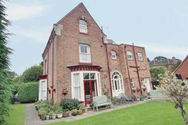 Thumbnail Detached house for sale in Avenue Road, Leicester, Leicestershire