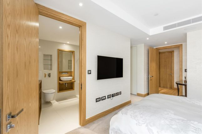 Master Bedroom of The Courthouse, 70 Horseferry Road, London SW1P