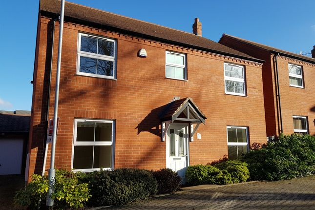 Thumbnail Detached house for sale in Farm Close, Bishopton, Stratford-Upon-Avon