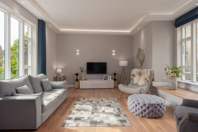 Thumbnail Town house to rent in Nelsons Yard, London