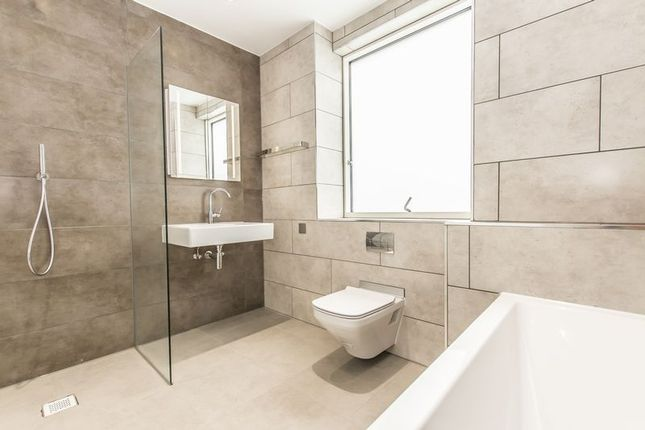 Thumbnail Flat for sale in The Linkings, Andre Street, London