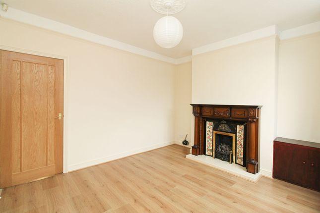 Living Room of Warner Street, Hasland, Chesterfield S41