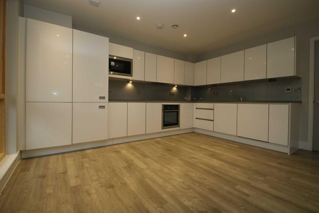 Thumbnail Flat to rent in The Vale, London
