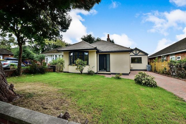 Thumbnail Bungalow to rent in Stanneylands Drive, Wilmslow