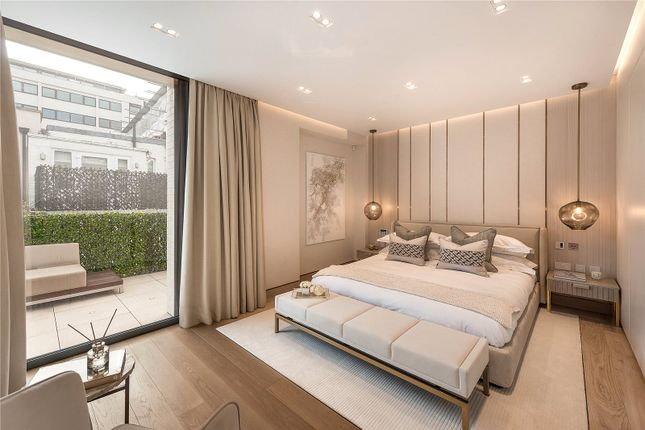 Master Bedroom of Fairholt Street, Knightsbridge, London SW7