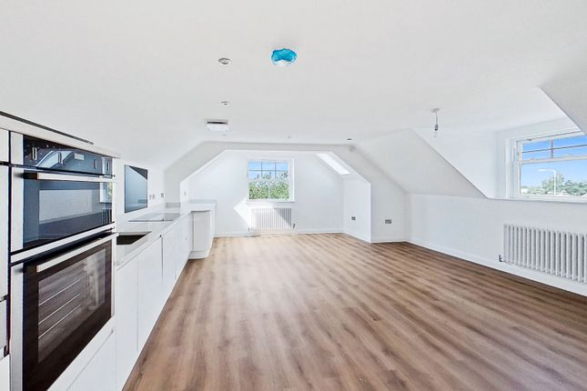 Thumbnail Flat for sale in Penthouse Apartment, Moseley House, Needwood