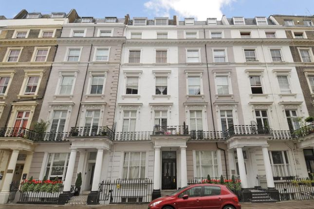 Queensborough terrace bayswater w2 2 bedroom flat for for Queensborough terrace