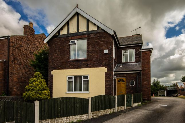 Thumbnail Detached house to rent in Small Lane, Ormskirk