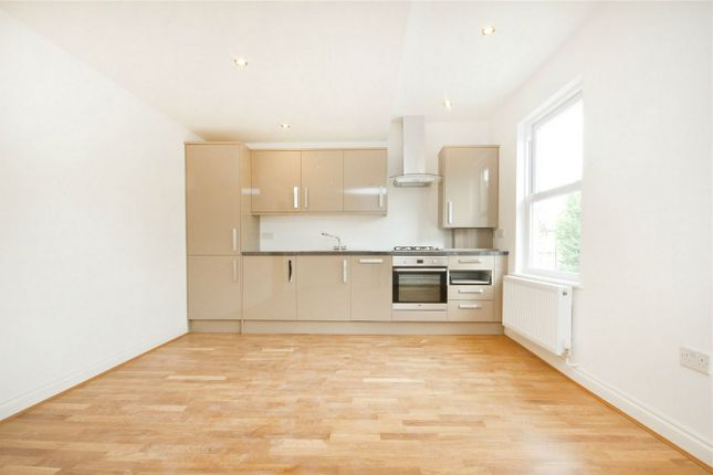 3 bed flat for sale in Bollo Bridge Road, London