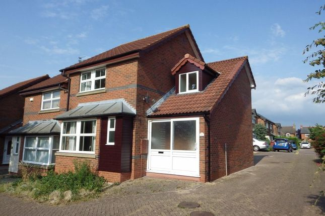 3 bed terraced house to rent in Long Close, Bradley Stoke, Bristol BS32