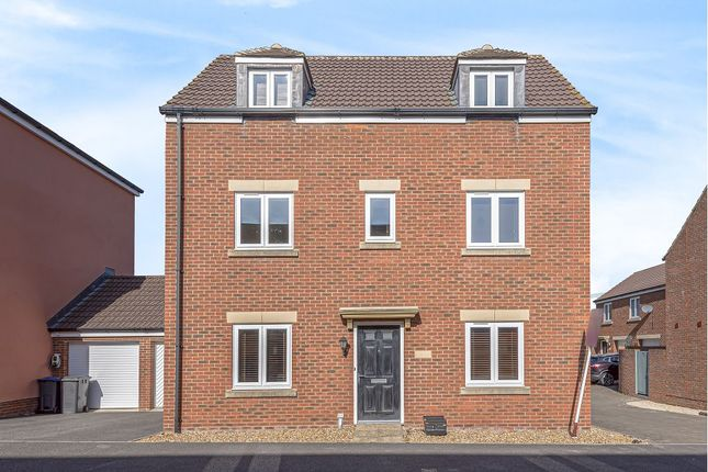 Thumbnail Town house for sale in Swaledale Road, Warminster