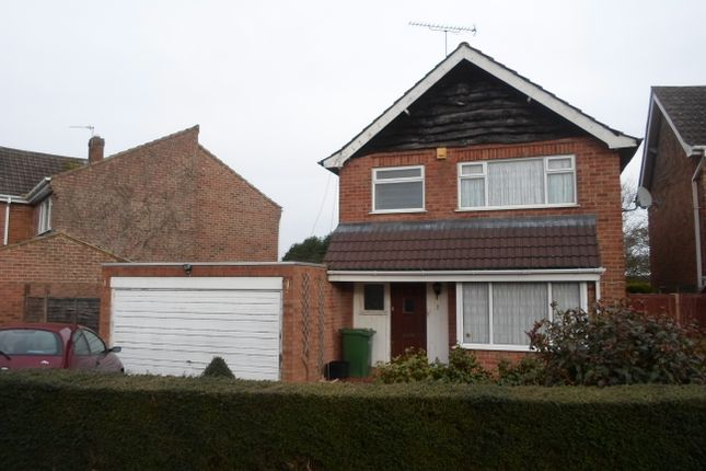 Thumbnail Detached house to rent in Half Moon Crescent, Oadby