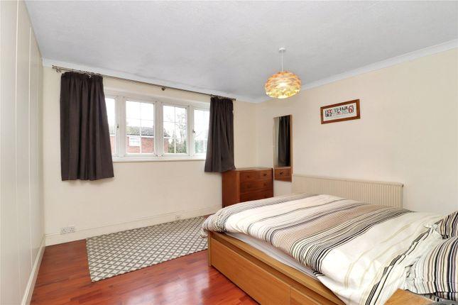 Bedroom 1 of Stanbury Avenue, Watford WD17