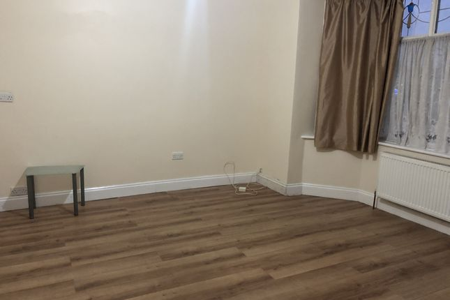 Thumbnail Terraced house to rent in Eastern Avenue, Newbury Park, Essex