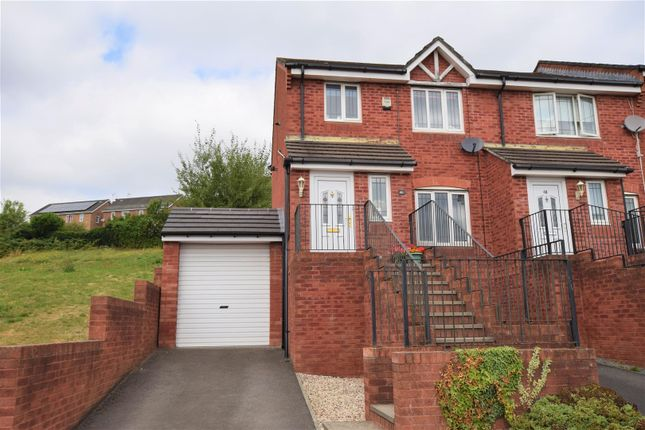 Thumbnail End terrace house for sale in Gelyn-Y-Cler, Barry