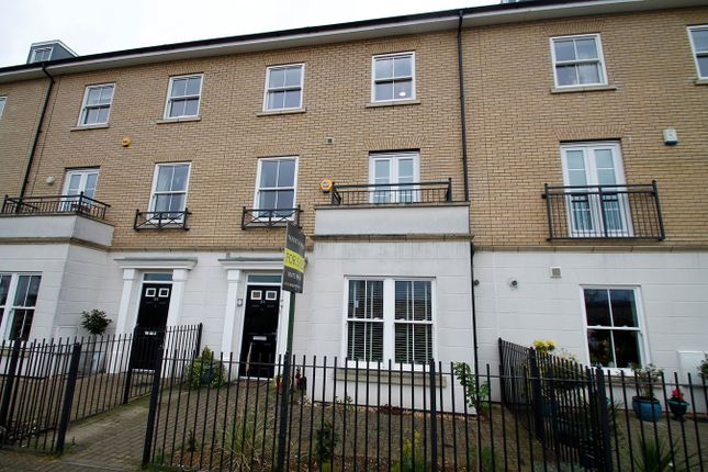 Thumbnail Town house for sale in Bonny Crescent, Ipswich