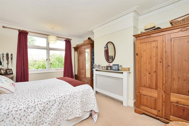 Highres1900822 of Angel Road, Thames Ditton KT7