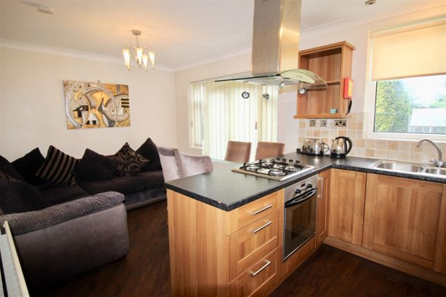 Thumbnail Shared accommodation to rent in Redesdale Avenue, Gosforth, Newcastle Upon Tyne