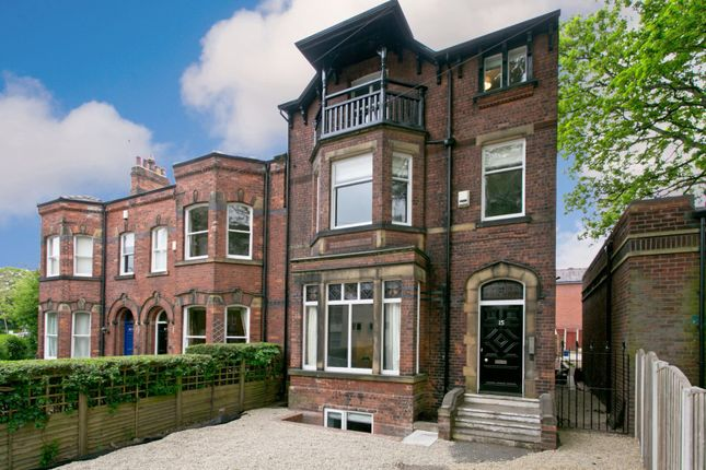10 bed shared accommodation to rent in College Grove Road, Wakefield WF1