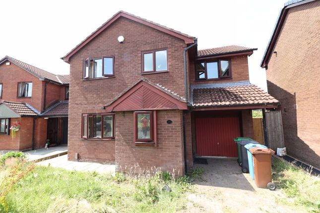 4 bed detached house to rent in Farholme, Royton, Oldham OL2
