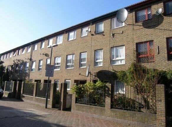 Thumbnail Terraced house to rent in Lambeth Walk, London
